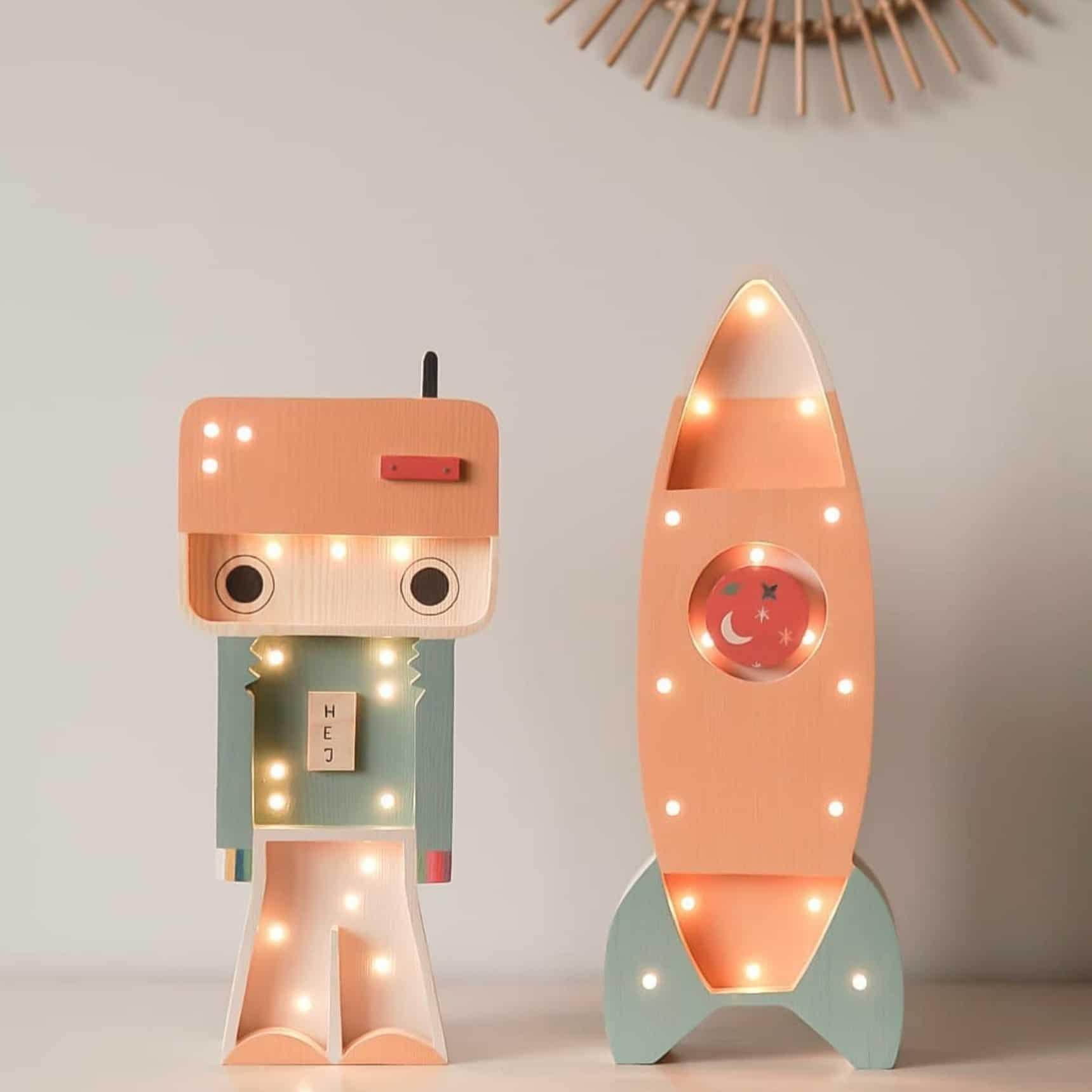 led-lampa-raketa-robot